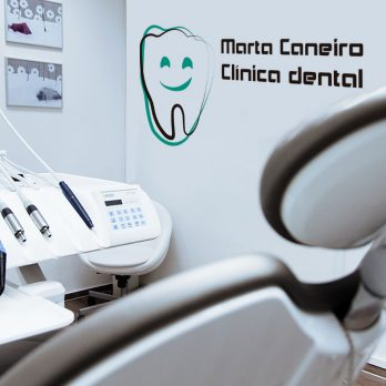 vinilo logo clinica dental