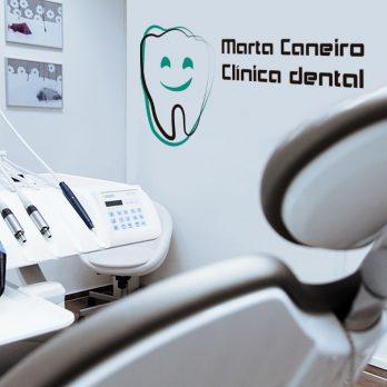 vinilo logo clinica dental