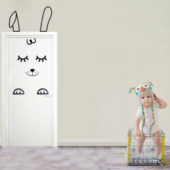vinilo puerta infantil conejo