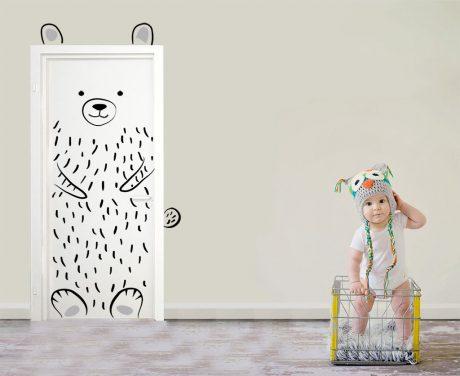 vinilo puerta infantil oso