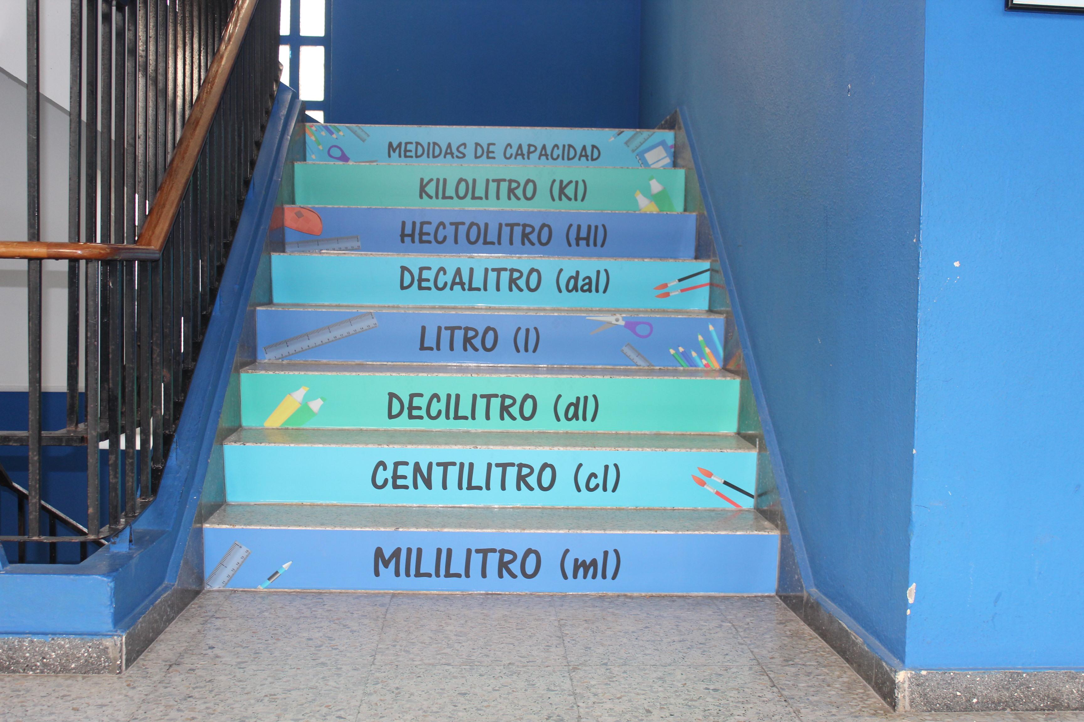 Vinilo escaleras colegio