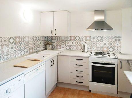 Vinilo azulejos hidráulicos modelo Valeria para cocina